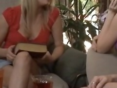 Faye Reagan proves she's an able lesbian wide of munching unaffected by Darryl Hannah