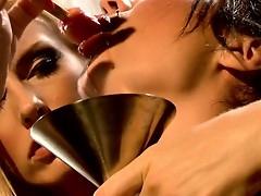 Lesbian sluts Ava Rose plus Darryl Hanah fingering plus licking messy inflate