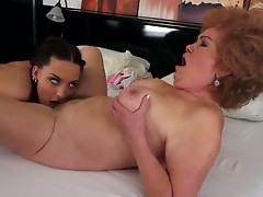 Slanderous age-old lesbian Effie gets absent with her young fabulous female lover Lyen Parker congress pussy wipe the floor with